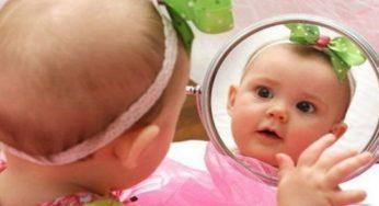 Показывать ли маленьким детям их отражение в зеркале. Ответ профессионала